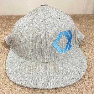 MENS GREY AND BLUE FLAT BILL SPORTS HAT